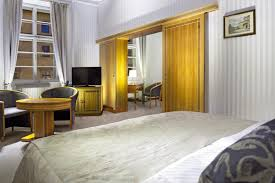 Twin Bed Vs Double Bed Hotel