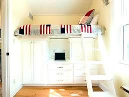 bureau sous mezzanine hauteur sous plafond lit mezzanine astuce sous le lit a droite du
