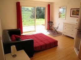 Schlafzimmer Farbe Taupe Funvit Com Naturstein Fliesen Wohnzimmer