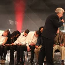 hypnotist for hire hire dr dave hill comedy hypnosis shows hypnotist in hayward