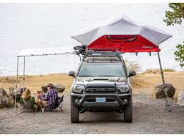 jeep wrangler overland tent yakima u0027s the roof top tent the skyrise u2013 expedition georgia