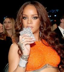 His And Her Flasks Grammys 2017 Best Gifs Rihanna U0027s Flask Dancing Carpool Karaoke
