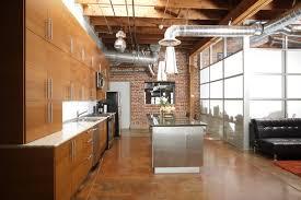 cuisine industrielle loft cuisine industrielle 55 exemples décos aussi inspirants que déroutants