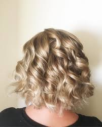 wand curled hairstyles 26 curled hairstyles tending in 2018 so grab your hair curling wand