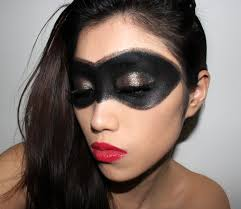 Eye Halloween Makeup by Halloween Makeup Ideas Superhero Black Gold Mask With Red Lips