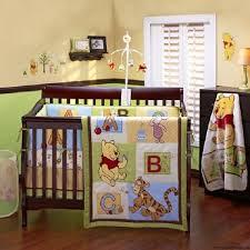 deco winnie l ourson pour chambre idée déco chambre bébé winnie l ourson bébé et décoration