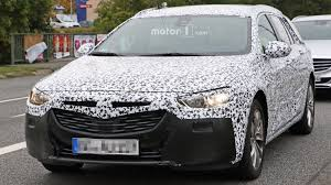 opel christmas 2018 opel insignia wagon seems bulkier than it actually is