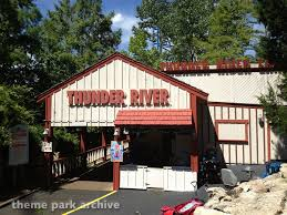 6 Flags St Louis Thunder River At Six Flags St Louis Theme Park Archive