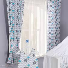 rideaux pour chambre bébé rideau pour chambre bébé zigzag gris motif éléphant et parapluie bleu