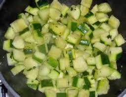 comment cuisiner des courgettes rondes cuisiner des courgettes rondes 12 courgette ronde jaune recette