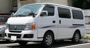 nissan van 12 passenger people mover comparison u2013 nissan caravan vs toyota hiace