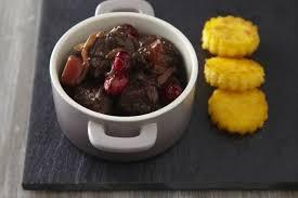 cuisiner les airelles recette de civet de sanglier aux airelles et polenta coustillante
