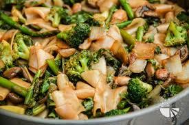 Asparagus Dishes Main Course - thai flat rice noodles w broccoli asparagus u0026 mushrooms vegan