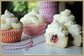 almond wedding cake cupcakes with raspberry filling shugary sweets