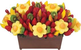 edible fruit bouquet delivery fruits flowers delievery in qatar send fresh fruit flowers