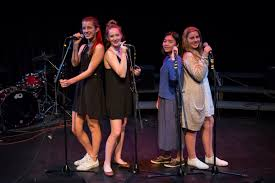 small vocal ensembles house music