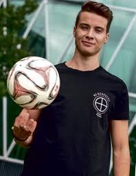 Bad Vilbeler Anzeiger Ball Artisten Bei Porta