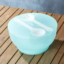 Cool Fruit Bowls by Aqua Chill Salad And Fruit Serving Bowl So That U0027s Cool