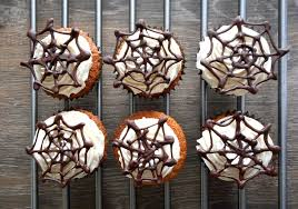 halloween cinnamon spider web cupcakes sarah u0027s little kitchen