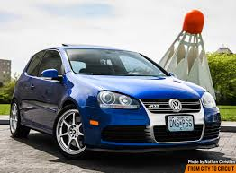 volkswagen u0027s sleeper the mk5 r32 from city to circuit