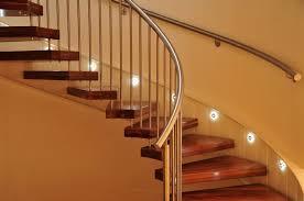 treppe nachtrã glich einbauen treppenbeleuchtung einbauen die möglichkeiten im überblick