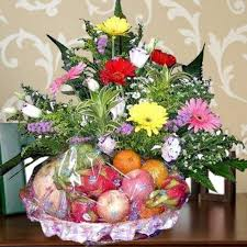 fruit flower arrangements how to make a do it yourself edible fruit arrangement edible