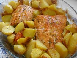 cuisiner du saumon au four saumon et pommes de terre au four la popotte de silvi