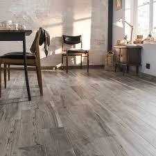 cuisine effet bois carrelage sol et mur grege effet bois elbe l 15 x l 61 cm leroy