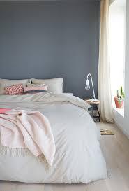 Schlafzimmer Braun Gestalten Ein Hübsches Blau Grau Als Wandfarbe Im Schlafzimmer Www Kolorat