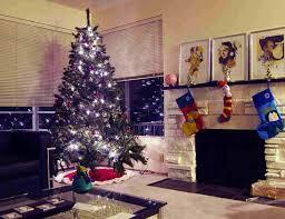 Livingroom Carpet Christmas Living Room Decor White Ceilings White Table Lamp White