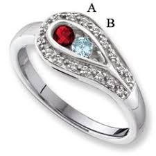 2 mothers ring this class ring idea with the diamond set in the middle of