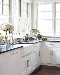 Kitchens With Black Countertops Best 25 Kitchen Granite Countertops Ideas On Pinterest White