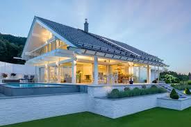 Immobilien Fachwerkhaus Kaufen Huf Fachwerkhaus In Fertigbauweise Aussenansicht Licht Glas Holz