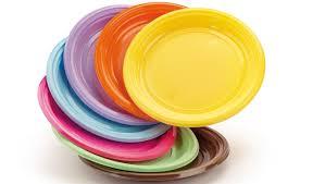 piatti e bicchieri di plastica colorati piatti di plastica bicchieri di plastica dopla