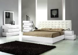 Modern Bedroom Rugs Bedroom Contemporary Bedroom Furniture White Rugs Black Mirror