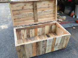 How To Make End Tables Out Of Pallets by Best 25 Pallet Toy Boxes Ideas On Pinterest Pallet Trunk