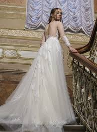 stunning wedding dresses this stunning wedding dress features the unique haute couture