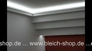 styropor deckenleisten lichtdecke mit led lichtvouten mit indirekter beleuchtung bleich