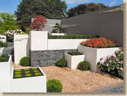 Modern Rock Garden Pavingexpert News And Updates