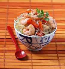 cuisiner vermicelle de riz vermicelles de riz chinois aux crevettes et poivrons les