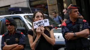 katalonien polizei beschlagnahmt stimmzettel briefumschläge und