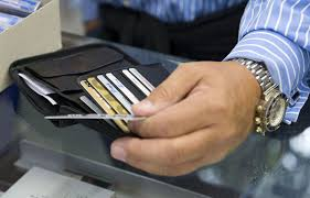 why would buffett u0027s berkshire bulk up on credit cards bloomberg