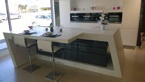 table travail cuisine plan de travail ilot central de cuisine en krion avec plateau