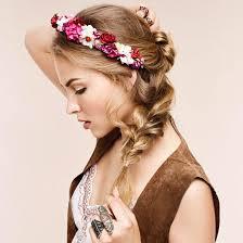Haar Frisuren by Mit Blumen Im Sommer Lieben Wir Blüten Im Haar
