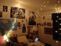 How To Hang Christmas Lights On House by How To Hang String Lights Without Nails In Your Room Leaving