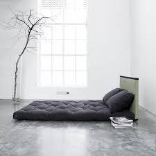 canap lit futon très contemporain ce canapé lit futon tire inspiration des