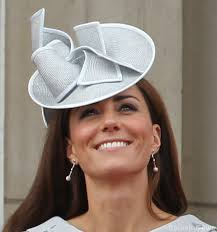 kate middleton diamond earrings annoushka baroque pearl drop earrings kate middleton style