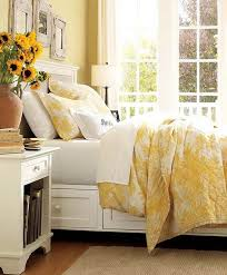 Yellow Room Decor Best 25 Yellow Room Decor Ideas On Pinterest Room Color Ideas