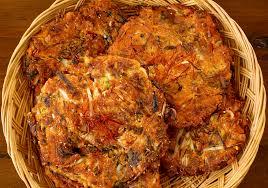 cara membuat pancake kimchi mung bean pancakes bindaetteok recipe maangchi com
