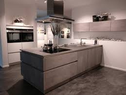 k che ausstellungsst ck bodenbeläge küche in betonoptik